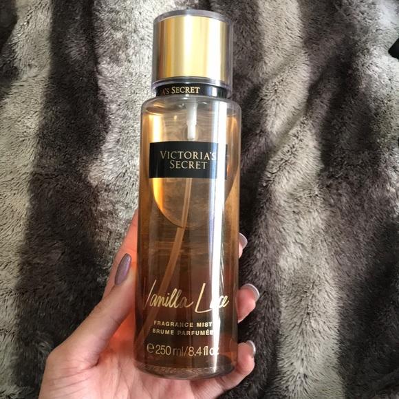 db419bb7e3 Victoria s secret vanilla lace fragrance mist. M 5a997ec3077b970a8f835c6e
